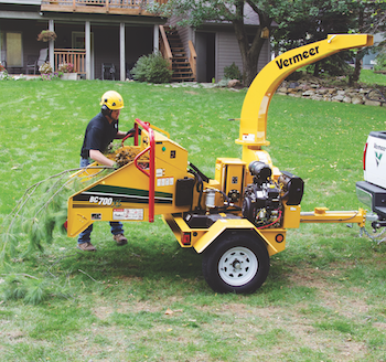 Vermeer BC700XL brush chipper